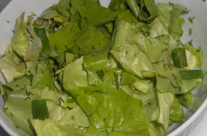 Salata verde cu ceapa si marar