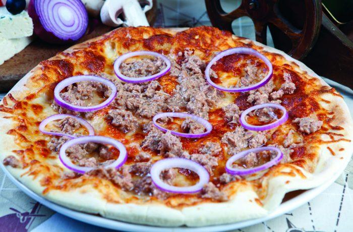 Pizza Tonno e Cipollo